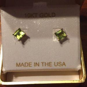 Jewelry - 10K YG Peridot Earrings